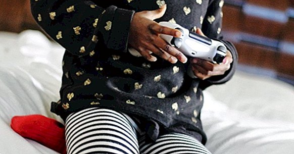 Video game addiction: symptoms, causes and treatment